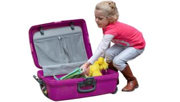 Meisje met Ekiko koffer